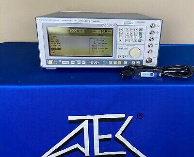 Rohde Schwarz Smiq02b Vector Signal Generator 300 Khz - 2.2 Ghz