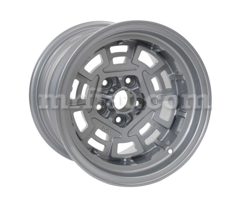 "De Tomaso Pantera Gts Magnesium Campagnolo Rear Wheel 10x15"" New"