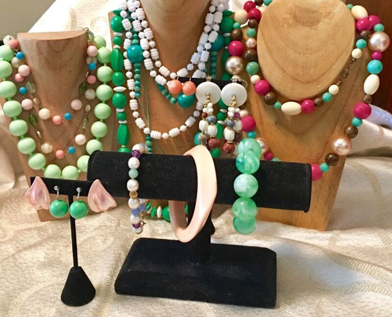 Pastel Plastic Beads Mixed Jewelry Lot-VTG-Now -Necklaces-Bracelets-Earrings a91