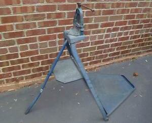 IRWIN Record Hinged Pipe Vice Mounted On IRWIN Folding Stand Beaconsfield Cardinia Area Preview