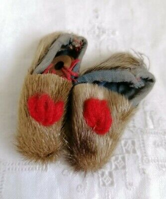 Vintage Native American Indian Moccasins Fur Leather Collectors Miniature Shoes