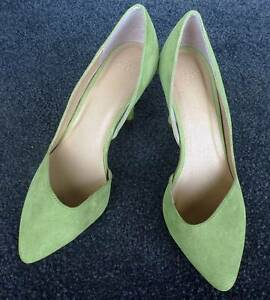 bright lime green ladies high heels size 6? Coombs Molonglo Valley Preview