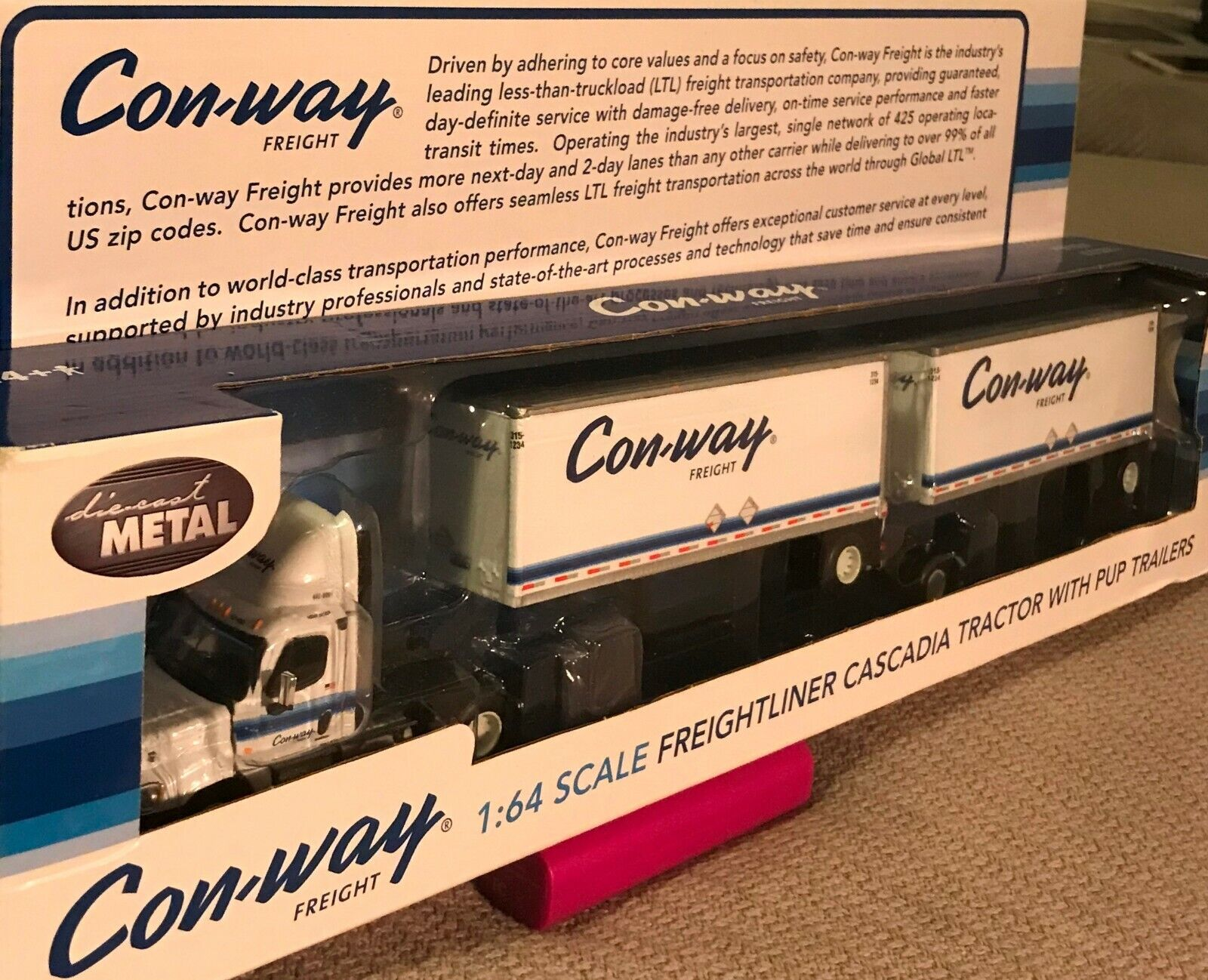 CON-WAY FREIGHT 1:64 SCALE FREIGHTLINER CASCADIA TRACTOR WITH PUP TRAILERS