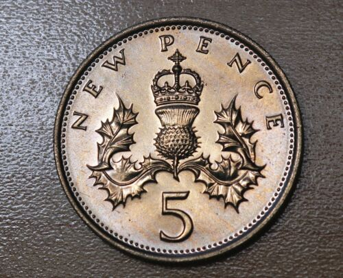 1977 Great Britain 5 Pence Thistle Plant