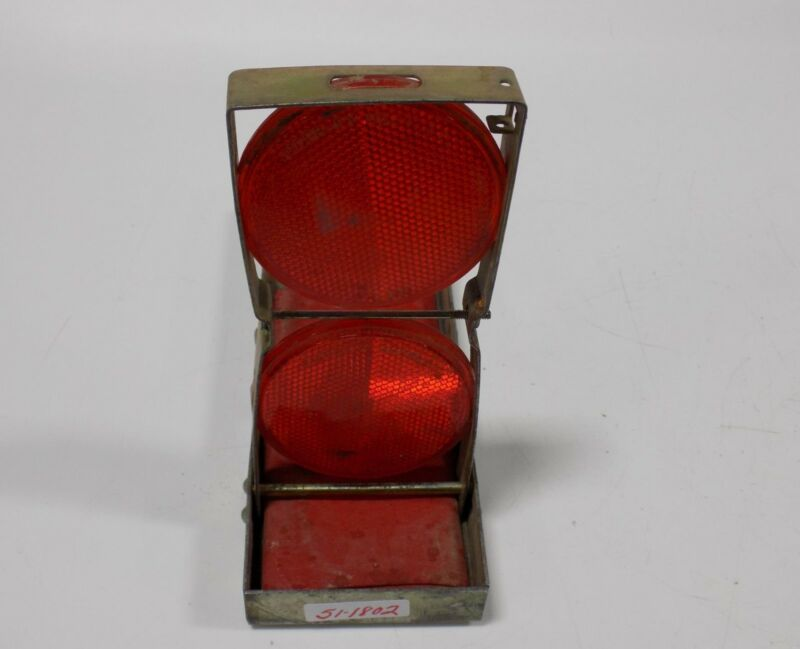 VINTAGE ROADSIDE SAFETY REFLECTOR