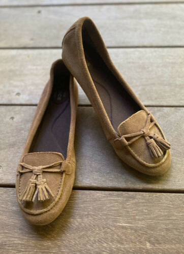CROCS Loafers Women's Sz 7 Dual Comfort Tassel Non Slip Fl