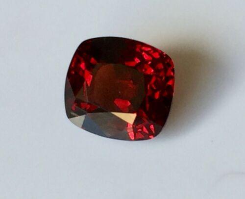 VVS 2.80 ct.7.8x7.2x5.5mm.Cushion Red Natural 100% Spinel Mogok.Gemstones