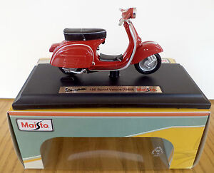 Maisto Vespa Scooter Model, 1:18 Diecast Scooter Model, Vespa 150 Sprint Veloce