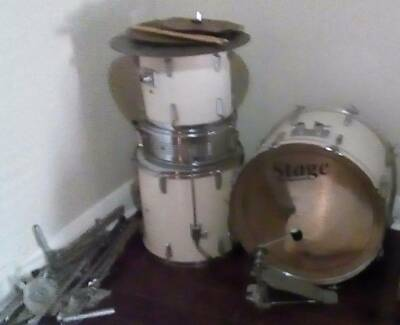 DRUMS - ALL MIXED BRANDS,OLD,USED & MAKE ME A OFFER !!