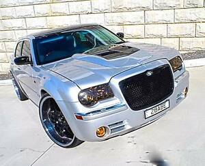 2006 Chrysler 300C sedan wagon touring custom Waterford Logan Area Preview