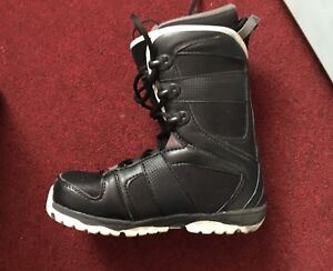 Brand new Firefly Size 8 Snowboard Boots