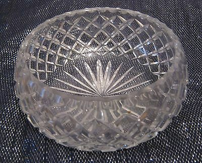 Very pretty cut glass bowl approx 7¼ ins wide and 3 ins tall
