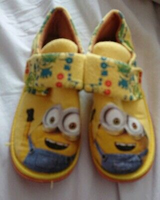 Boys Kids Minions Socks Pack of Three Two Designs 3-5.5 shoe up to 4-7 shoe