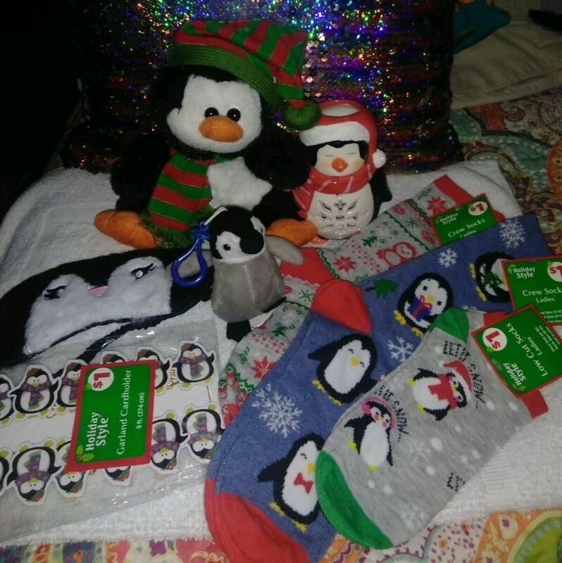 ~LOT Of 8~Penguin Christmas Ornaments/Items~ 🐧New Sox~Etc