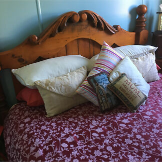 Four Poster Queen Size Bed