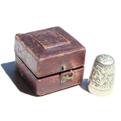 Antique Thimble in Leatherette Case with Velvet & Silk Green Liner.