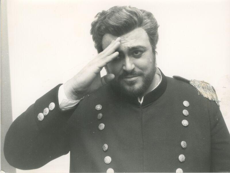 "Luciano PAVAROTTI: Original Photographs in ""Un Ballo in Maschera,"" Hamburg 1974."