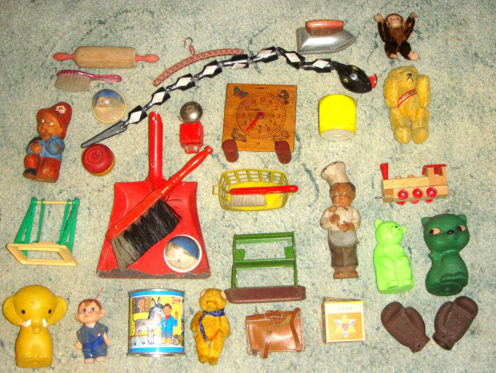 ca. 30 Teile altes DDR Mini-Spielzeug / Kleinst-Spielzeug / Nippes / Kinderkram