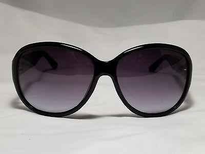 GUESS Oversize Womens Sunglasses GU7406 01B GLOSS BLACK (64mm) 135