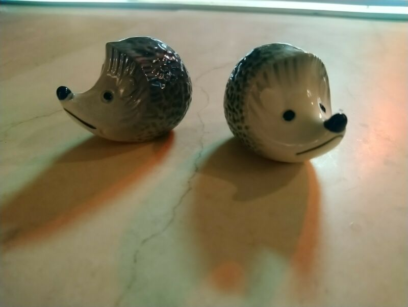 Lot of 2 VINTAGE Goebel Hedgehog figurines MINIATURE WEST GERMANY