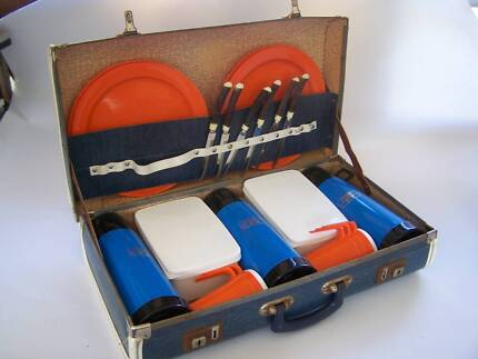 Retro Vintage Picnic Case Holden Ford Valiant CAN POST