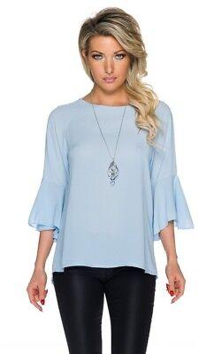 Zarte Bluse mit Tulpenärmeln und Rückenschlitz inklusive Silberkette - hellblau