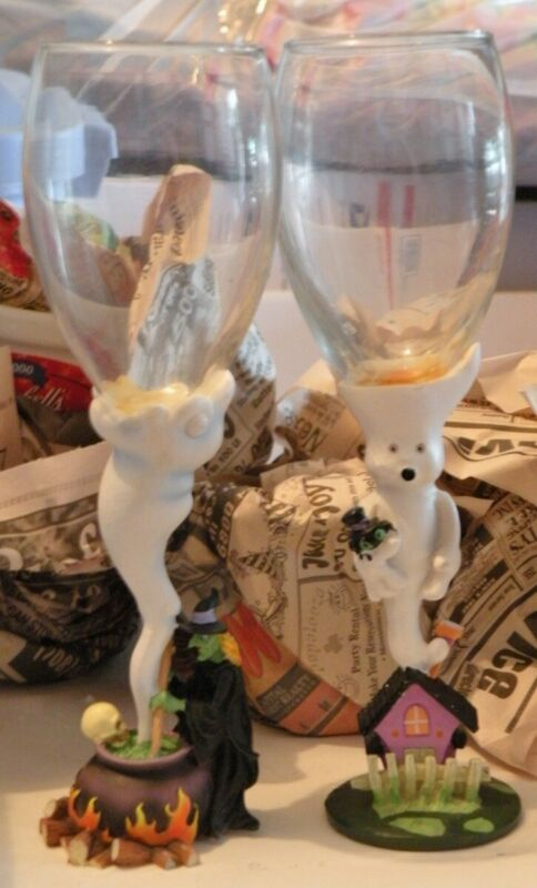 """TWO Goblets HALLOWEEN Witch Cauldron GHOST Haunted House WINE 9"""" Tall GLASS"""