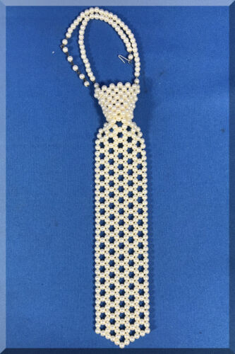 VINTAGE ESTATE GOLD PEARL NECK TIE COLLAR RUNWAY COUTURE NECKLACE NINE INCHES