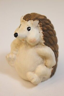 NEW Cute Little Ceramic Hedgehog - FREE P & P