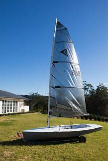 IMPULSE Sailing Dinghy 688