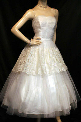 S~M VTG 50s STRAPLESS WEDDING GOWN IVORY NET CREAM LACE SATIN BRIDAL DRESS