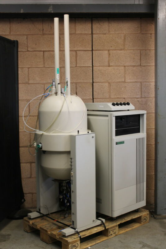 NMR magnet w/controller 200mHz FT Spectrometer Gemini 200 Varian