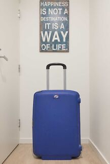 American Tourister F'Lite Travel Luggage 62cm -- VERY GOOD!!