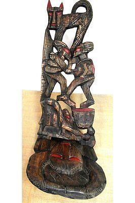 Steckstuhl mit traditionellen Motiv