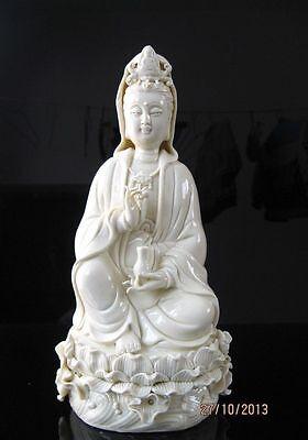Exquisite Chinese Dehua Porcelain Kwan-yin Guanyin goddess Statue 26CM