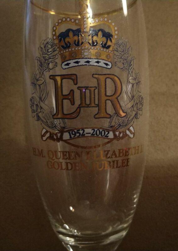 """MINT Champagne Flute Queen Elizabeth Golden Year 2002 Jubilee  glass 8-3/4"""" High"""
