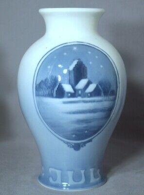 ROYAL COPENHAGEN Christmas Vase 1926 – Village Church on Christmas Eve