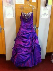 Grad / Prom Dress Edmonton Edmonton Area image 1