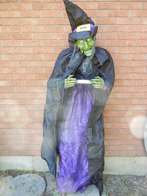 LIFESIZE ANIMATED TALKING WITCH GUEST GREETER HALLOWEEN FIGURE PROP (Life Size Animated Halloween Figures)