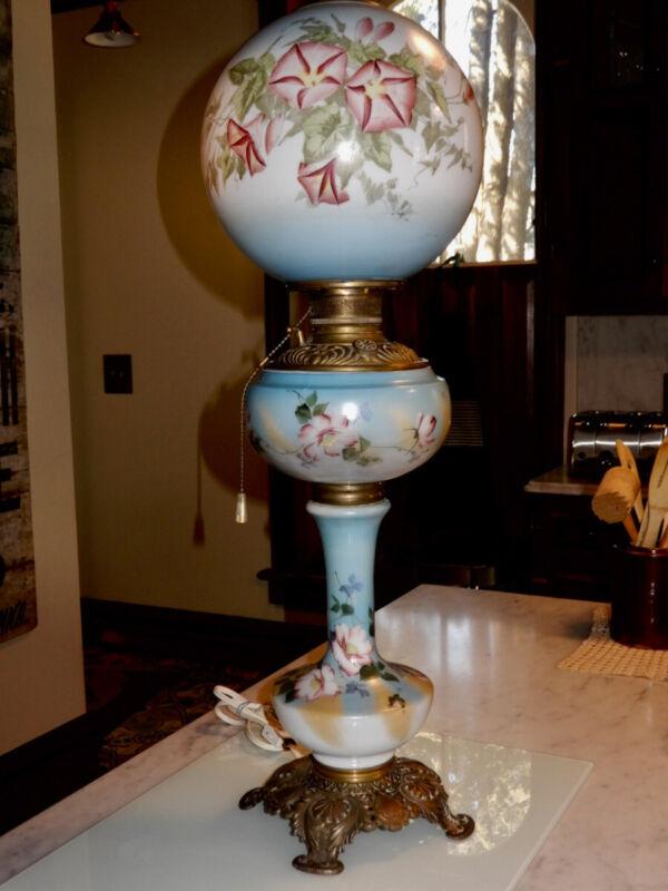 ANTIQUE KEROSENE BANQUET LAMP COMPLETE BLUE FLORAL WORKS WELL