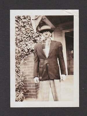 CREEPY ODD FACE MAKE-UP PLAY? HALLOWEEN COSTUME? OLD/VINTAGE PHOTO SNAPSHOT-D238
