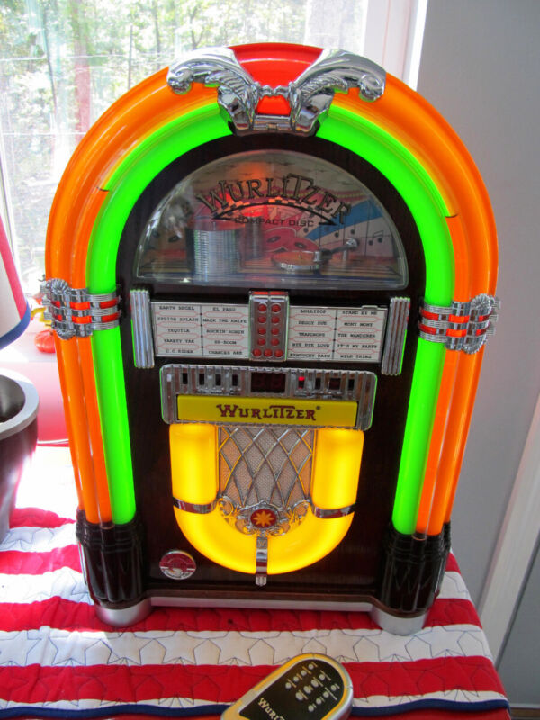 Wurlitzer Bubbling Jukebox WR18 FM Radio CD Player with Remote -- WORKS GREAT!