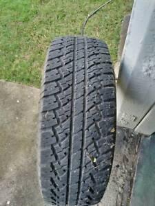 Tyre 265/75 x 16