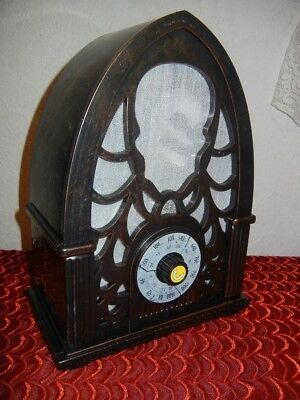 ANIMATED HAUNTED OLD TIME RADIO HALLOWEEN PROP DISPLAY - LED LIGHTS - MUSIC - Halloween Musical Light Show