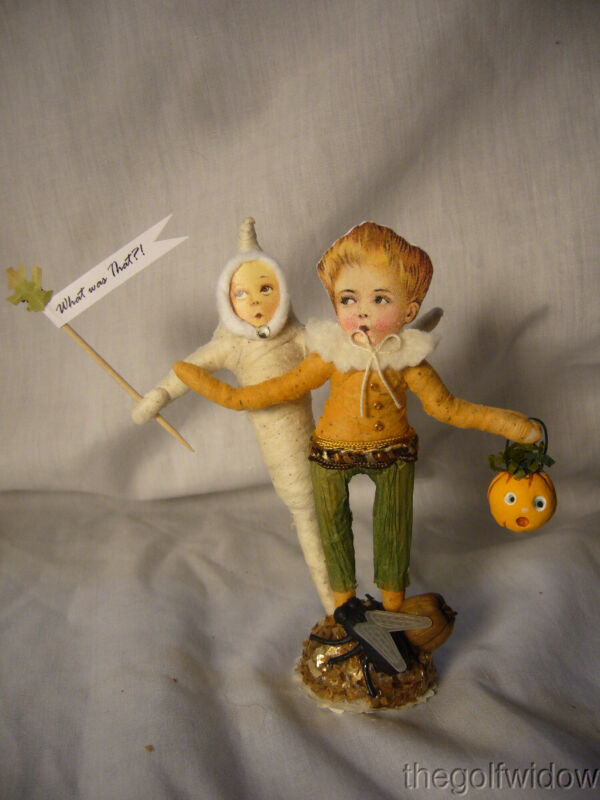 Vintage Inspired Spun Cotton Ghost Scare Vintage by Crystal no. HW6A