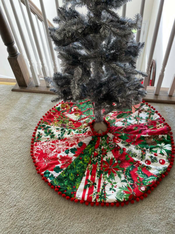 Christmas Tree Skirt Vintage Tablecloth Fabrics 1940