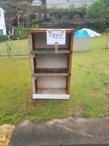 FREE Timber shelves