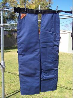 Chainsaw pants : Protectors : Chaps Cooloongup Rockingham Area Preview