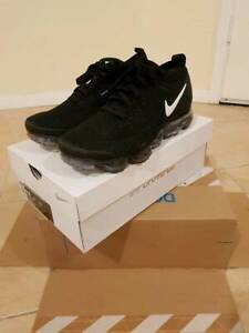 Brand New Nike Air Flyknit Vapormax 2 Black/White Sz 9.5 US