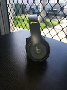 Limited edition Beats studio 3s wireless noise cancelling headphones